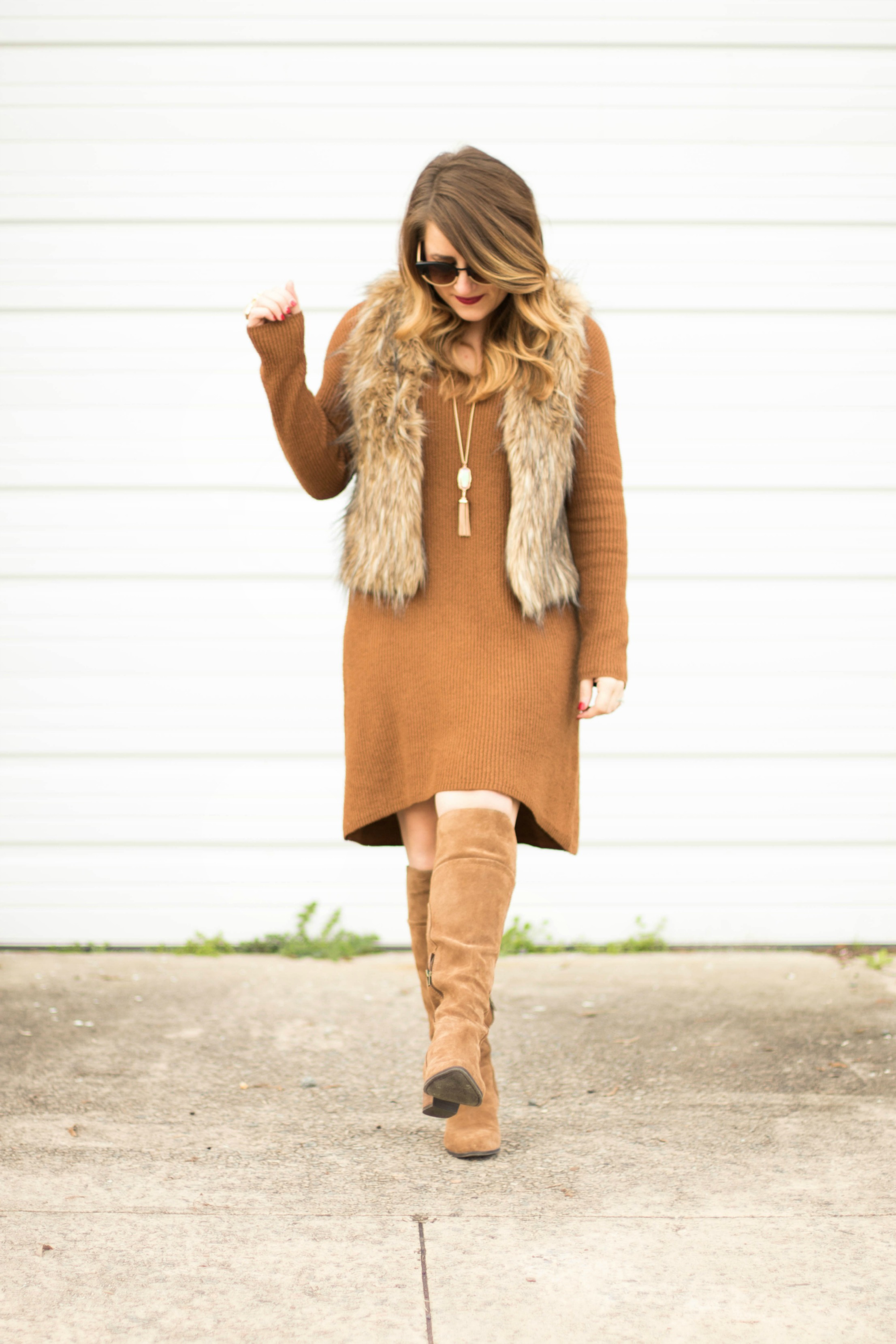 Brown fur vest winter fashion coffee beans and bobby pins for Nc fur wirtschaftsingenieur
