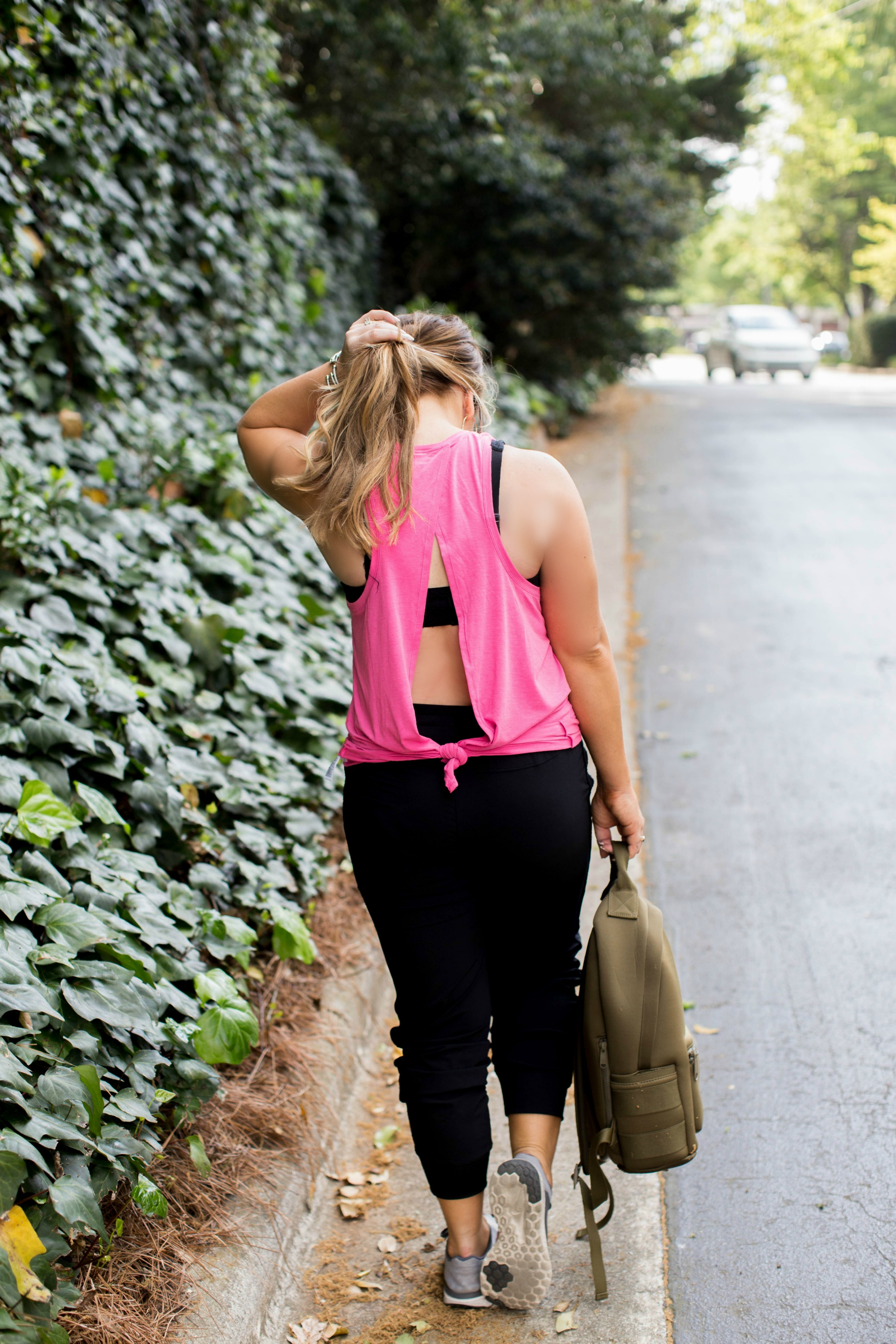 10 Gym Bag Must-Haves | coffeebeansandbobbypins.com