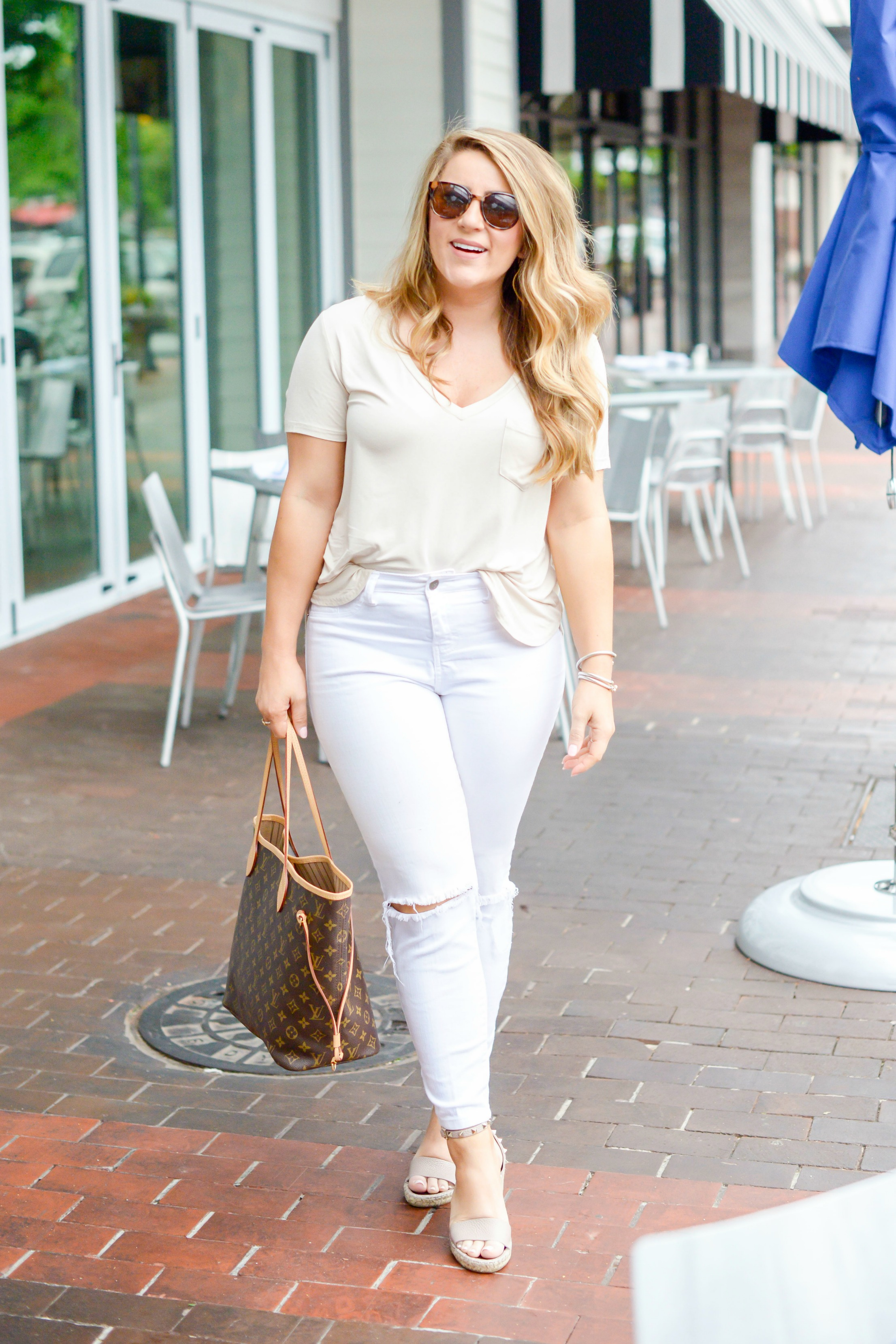 Easy T-Shirt and Jeans Outfit