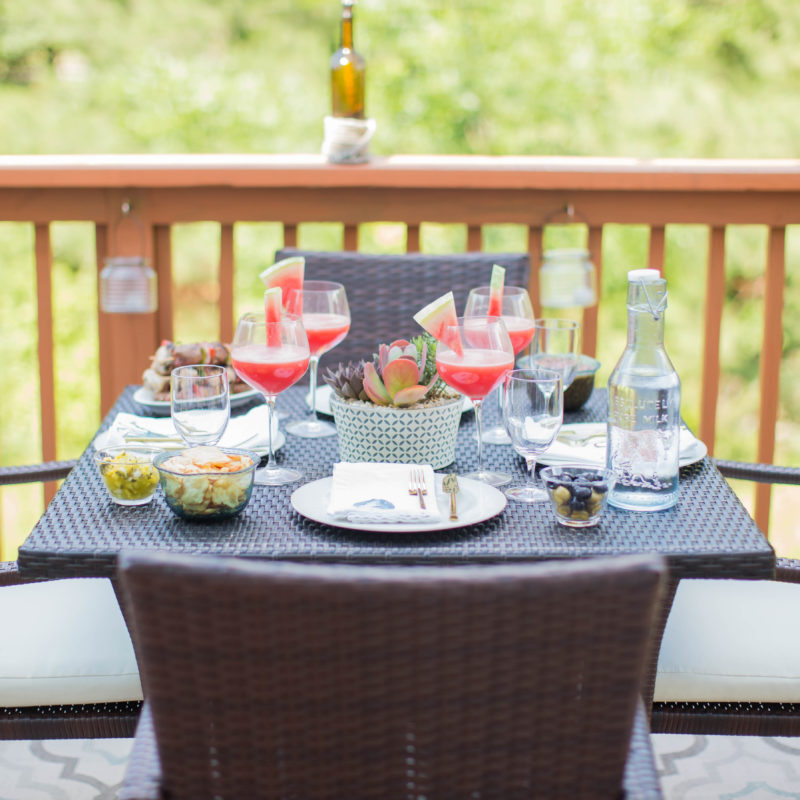5 Tips for Hosting Stress-Free Summer Gatherings