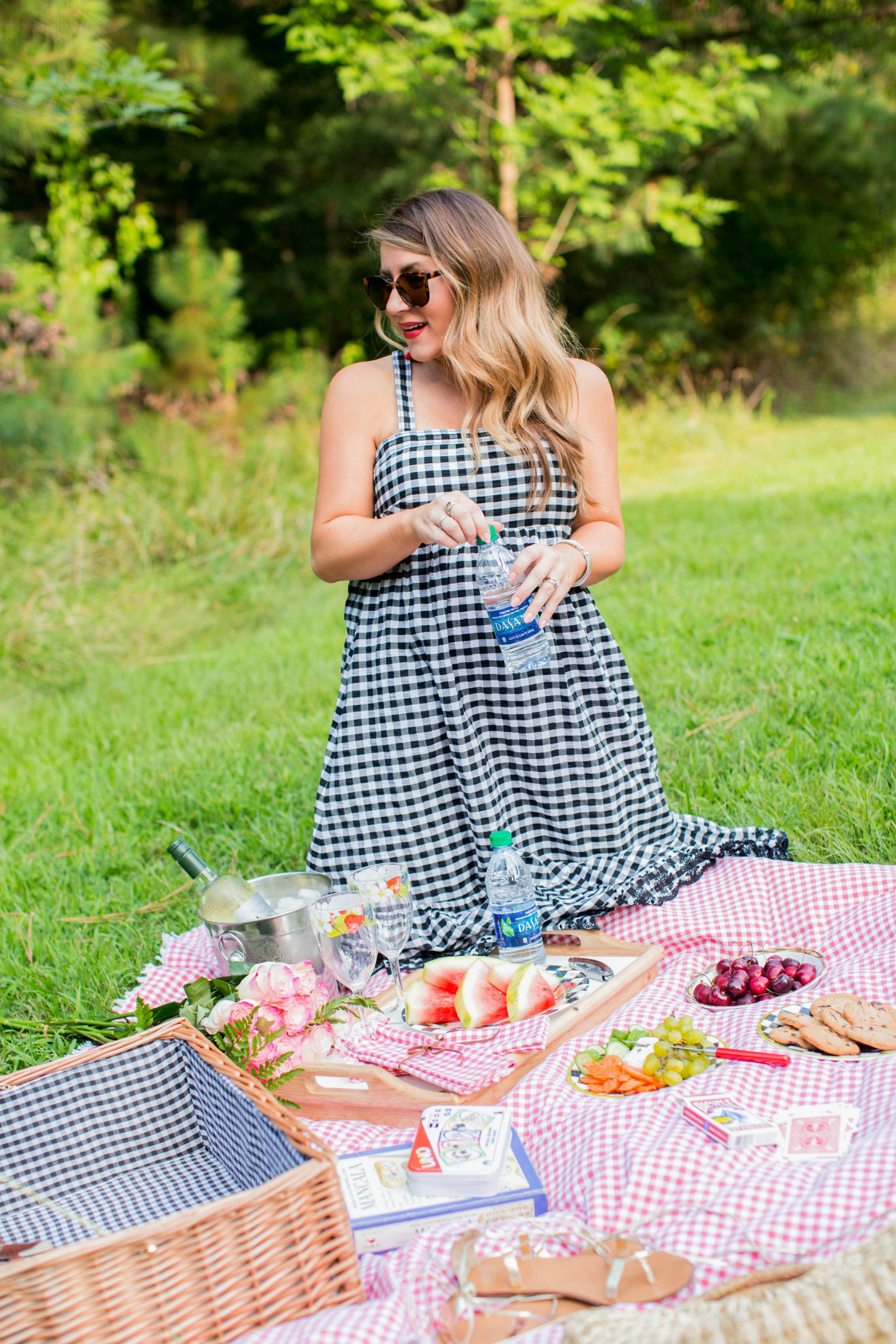 How to Have the Perfect Summer Picnic | coffeebeansandbobbypins.com