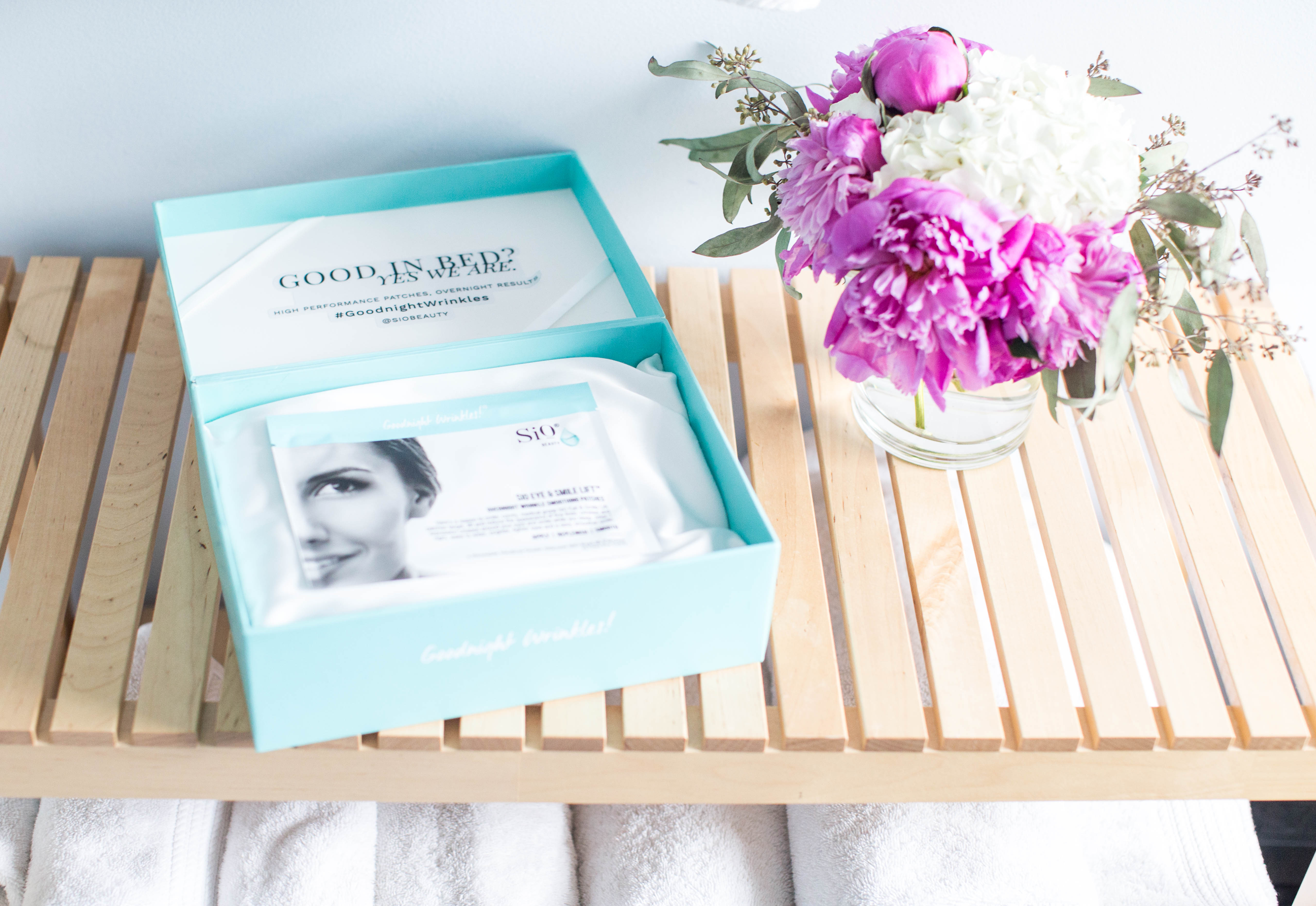 SiO Beauty Pads Review by North Carolina beauty blogger Coffee Beans and Bobby Pins